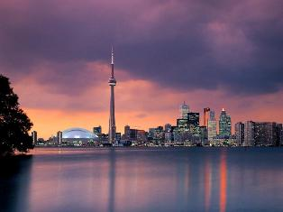 Toronto skyline: Image from Pixdaus by farhad